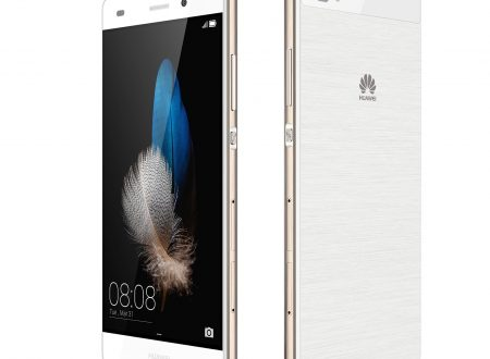 Huawei P8 Lite Smartphone, Android 5.0, Processore Octacore 64bit, 16 GB memoria interna, Fotocamera 13MP, monoSIM, Bianco