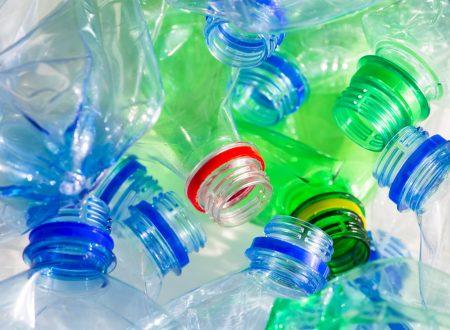 Riutilizzare le bottiglie di plastica è pericoloso?